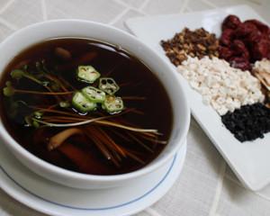 スープ:夏の薬膳スープ